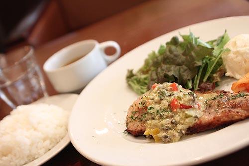 豚ロース肉のグリル・彩り野菜のラヴィコットソース