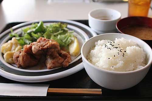 SOMA Cafe (ソーマカフェ)のからあげ定食