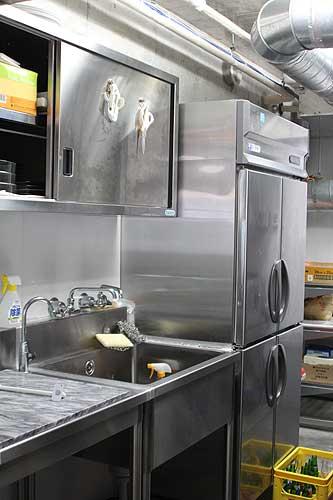 中目黒の物件:冷蔵庫・流し