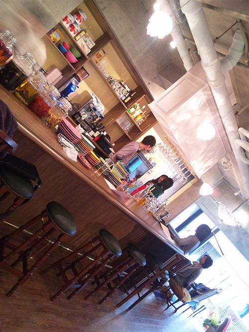 明大前 cafe&bar LOTUS(ロートス)